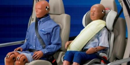 2013款福特蒙迪欧采用充气安全带技术